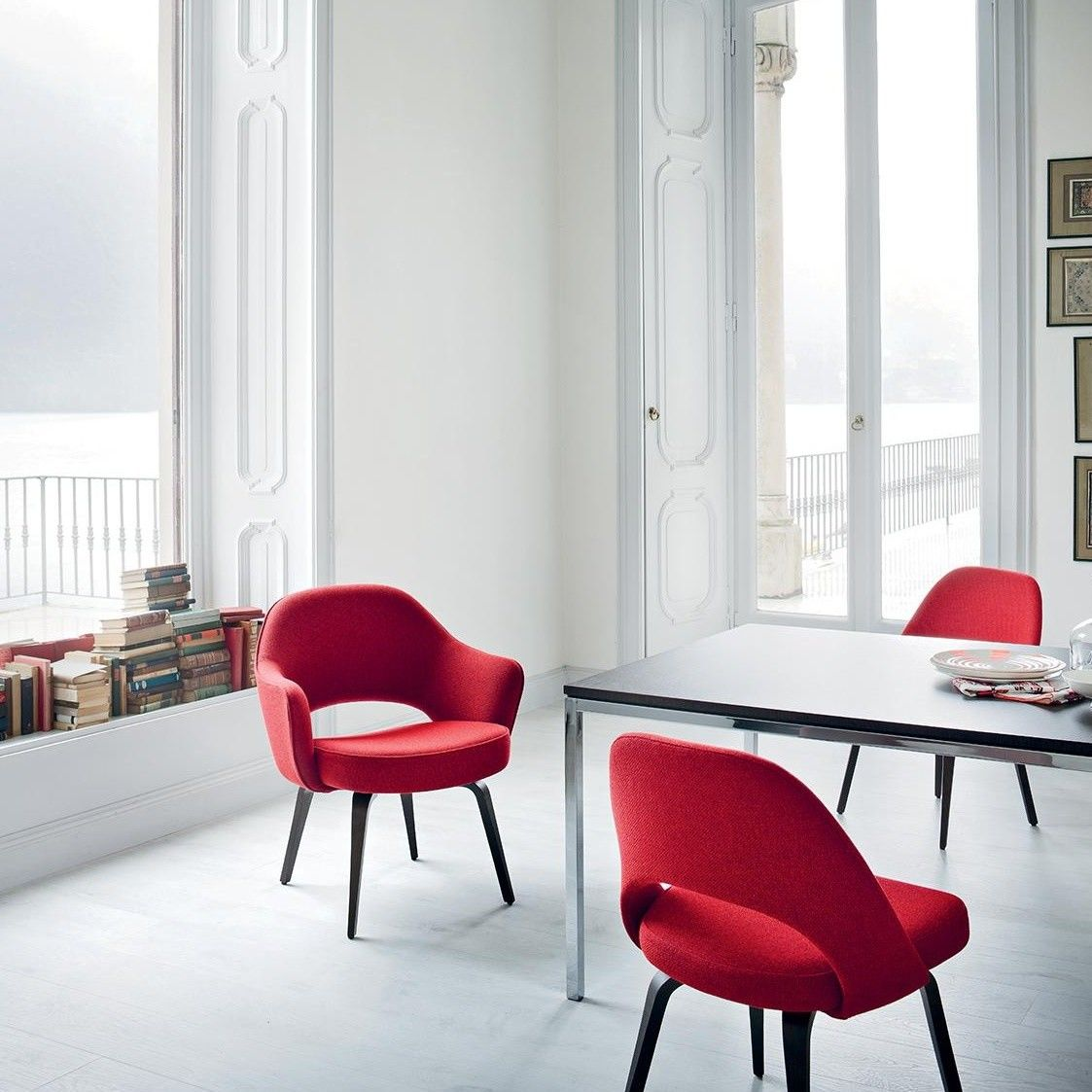 Saarinen Conference Chair Frame Ebony Knoll