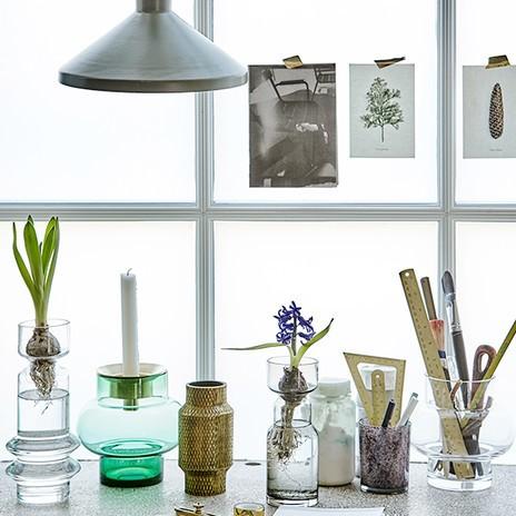 Verschiedene Vasen und Töpfe