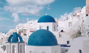 Die Dächer von Santorini