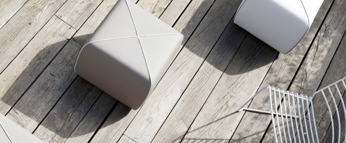 Hersteller Magazin Bline1-Crossed-Outdoor-Pouf