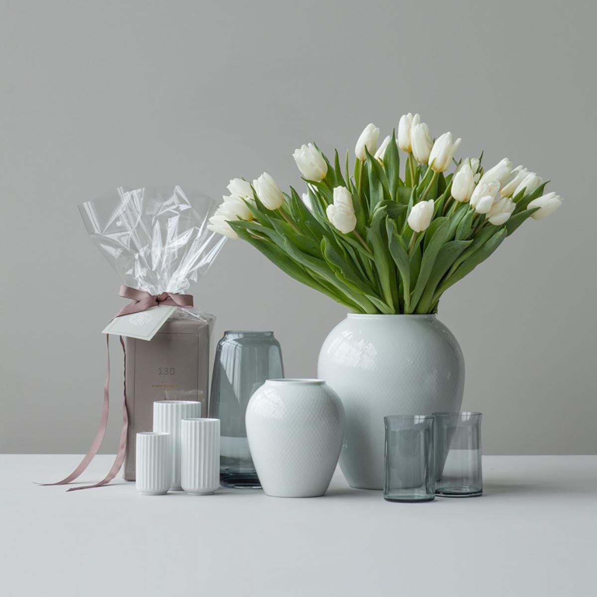 form 130 vase lyngby porcel n. Black Bedroom Furniture Sets. Home Design Ideas