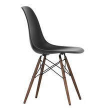 Vitra - Eames Plastic Side Chair DSW donker esdoorn