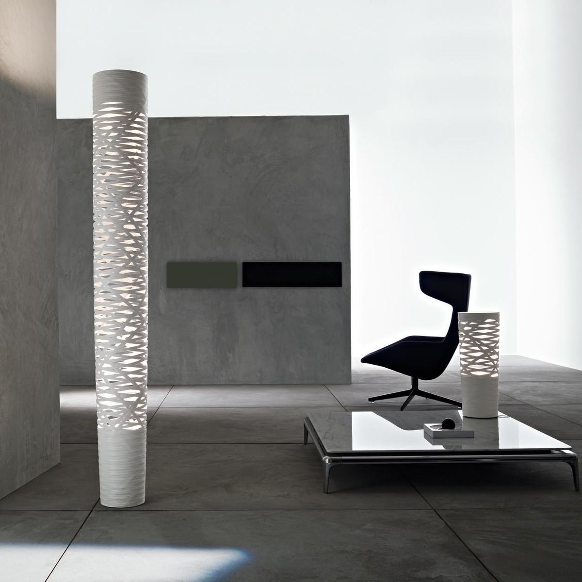 tress grande lampadaire foscarini. Black Bedroom Furniture Sets. Home Design Ideas