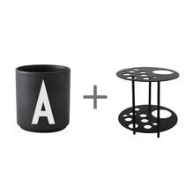 Design Letters - Gobelet grand A-M noir + Support de fleur