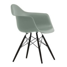 Vitra - Eames Plastic Armchair DAW Black Maple Base