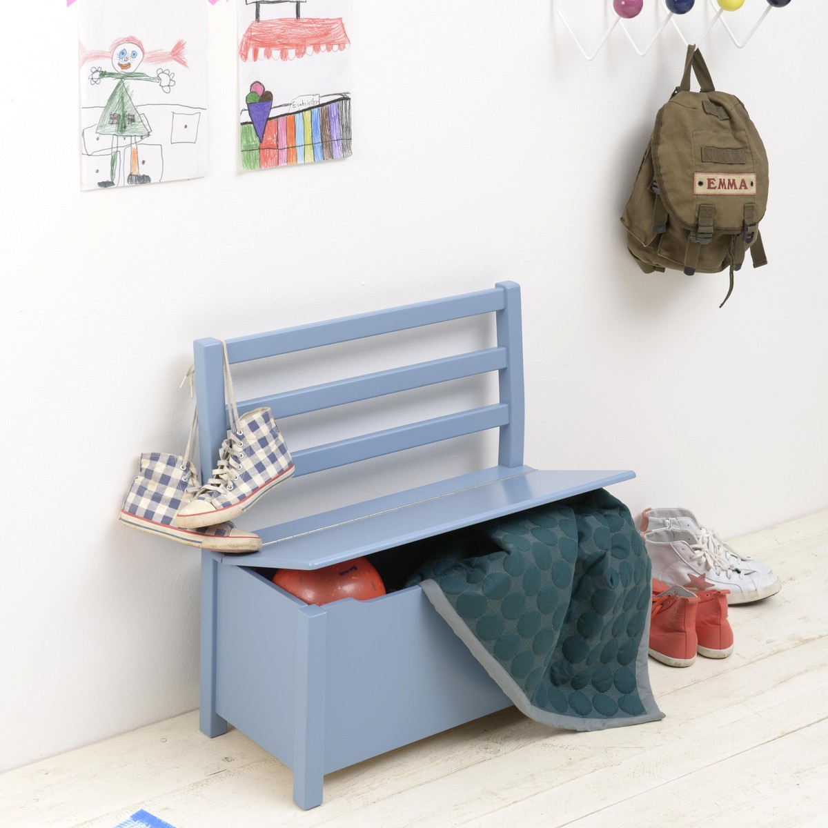 nils kinderbank mit truhe kinderbunt. Black Bedroom Furniture Sets. Home Design Ideas