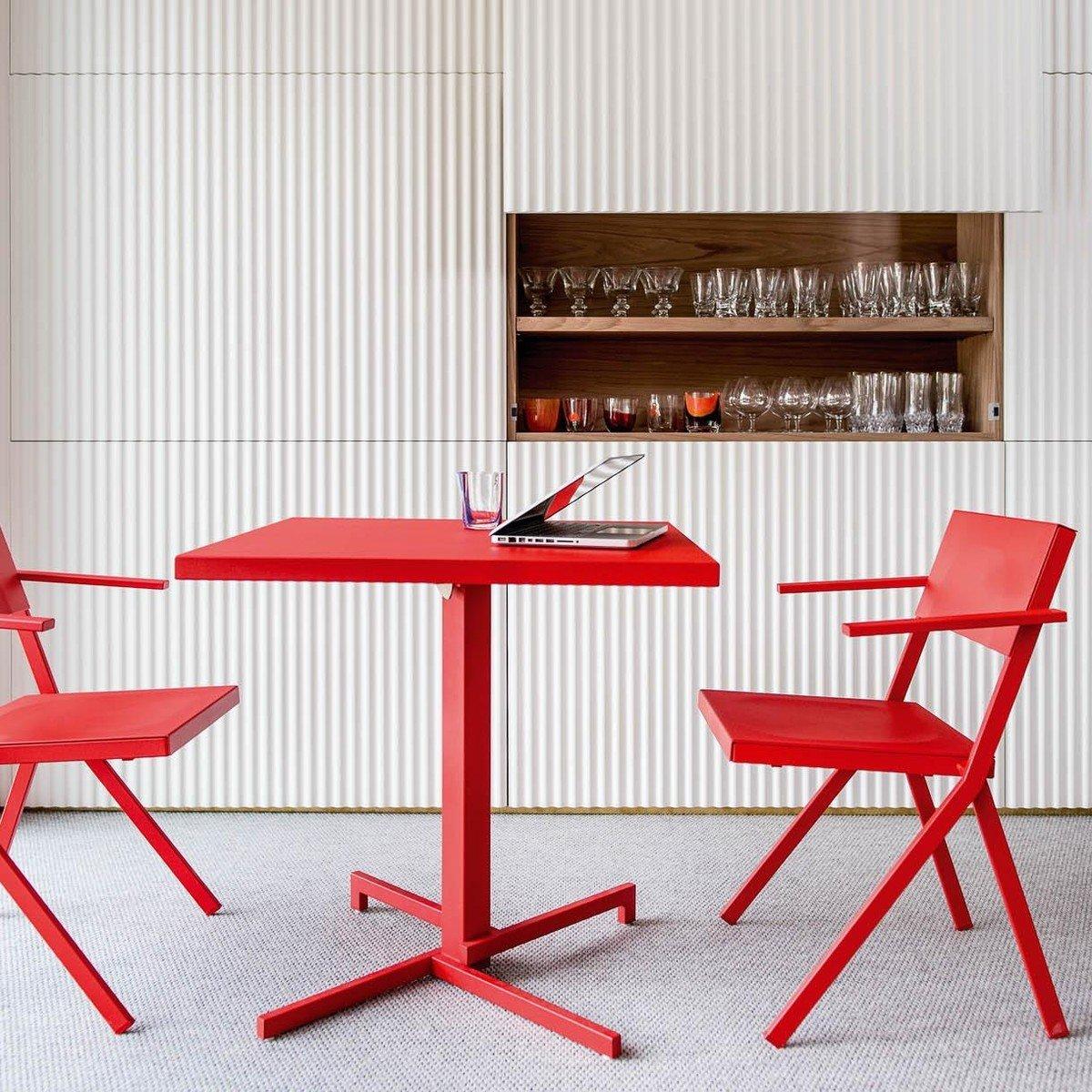 Mia - Mesa de Bistro cuadrado | emu | AmbienteDirect.com