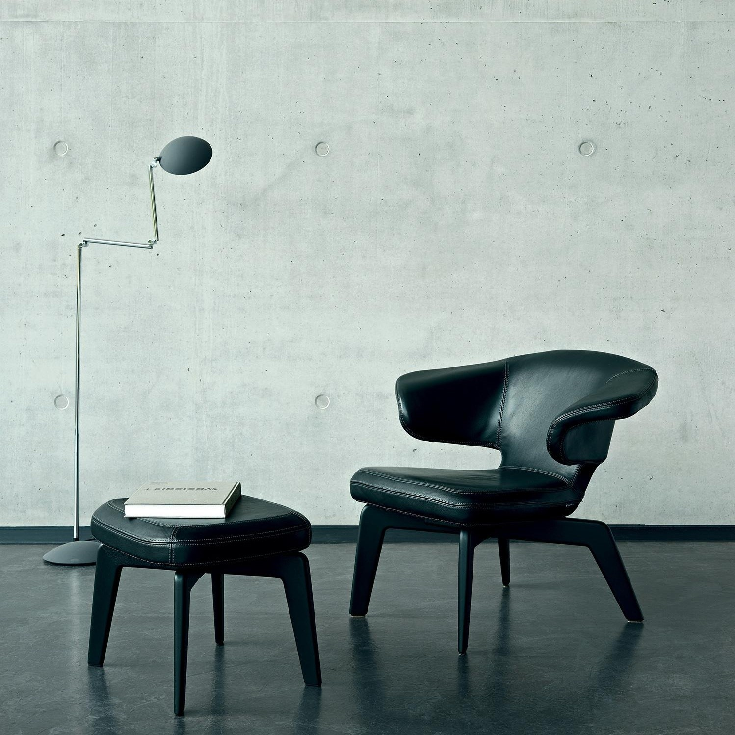 classicon munich lounge chair ambientedirect. Black Bedroom Furniture Sets. Home Design Ideas