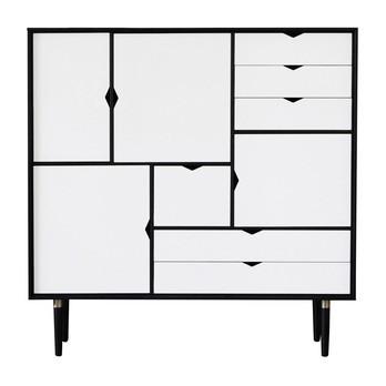 Andersen Furniture - Andersen Furniture S3 Kommode Fronten weiß - eiche schwarz/alpinoweiß/lackiert/B130 x T43 x H132 cm