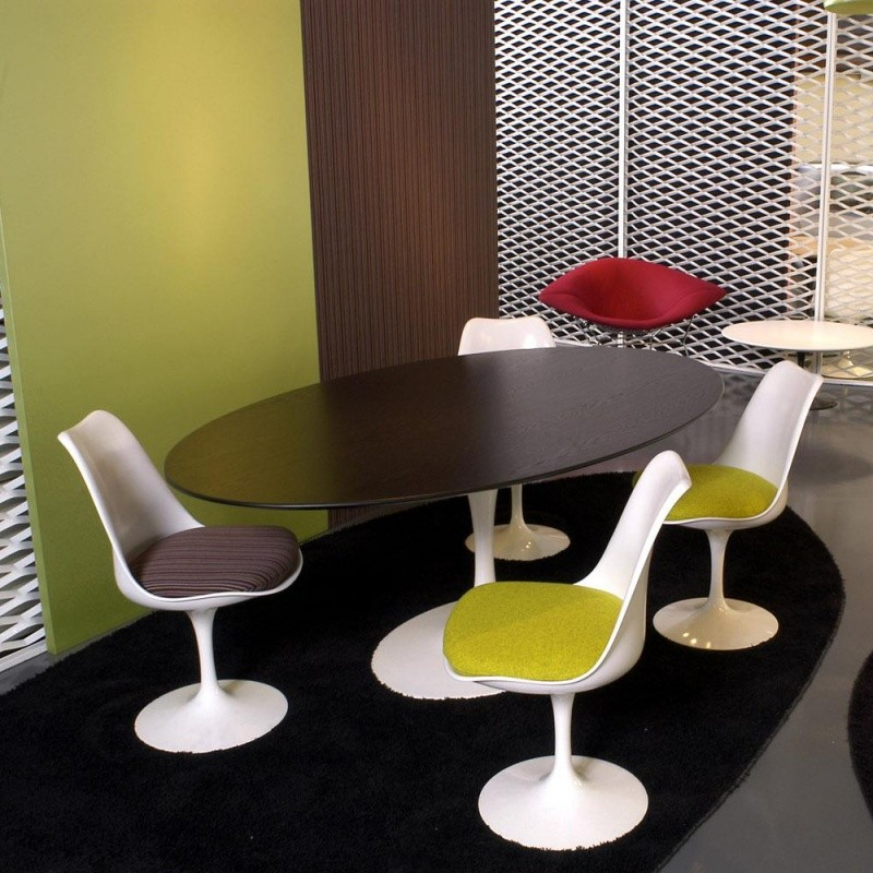 Saarinen - Table ovale | Knoll International | AmbienteDirect.com