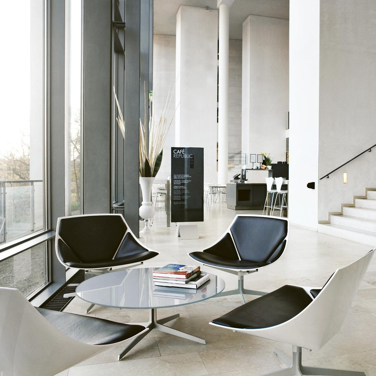 space loungesessel fritz hansen. Black Bedroom Furniture Sets. Home Design Ideas