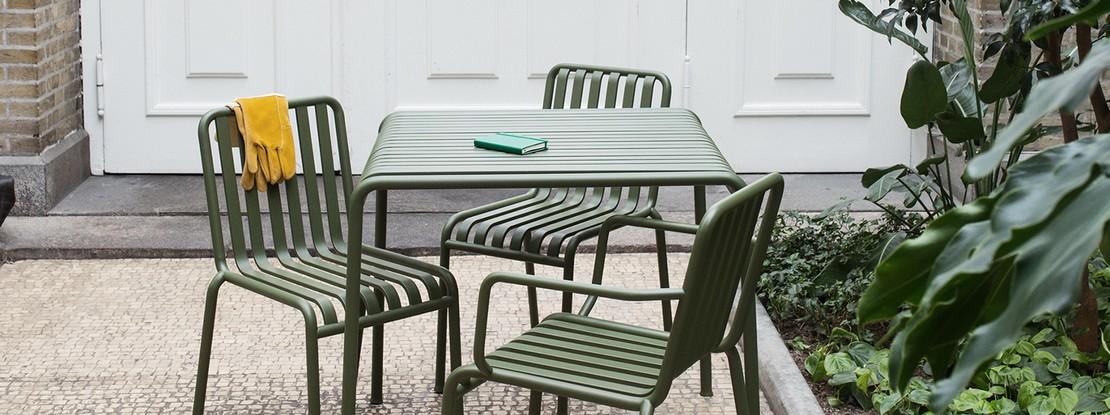 Gartenset: Tisch mit 3 Stühlen