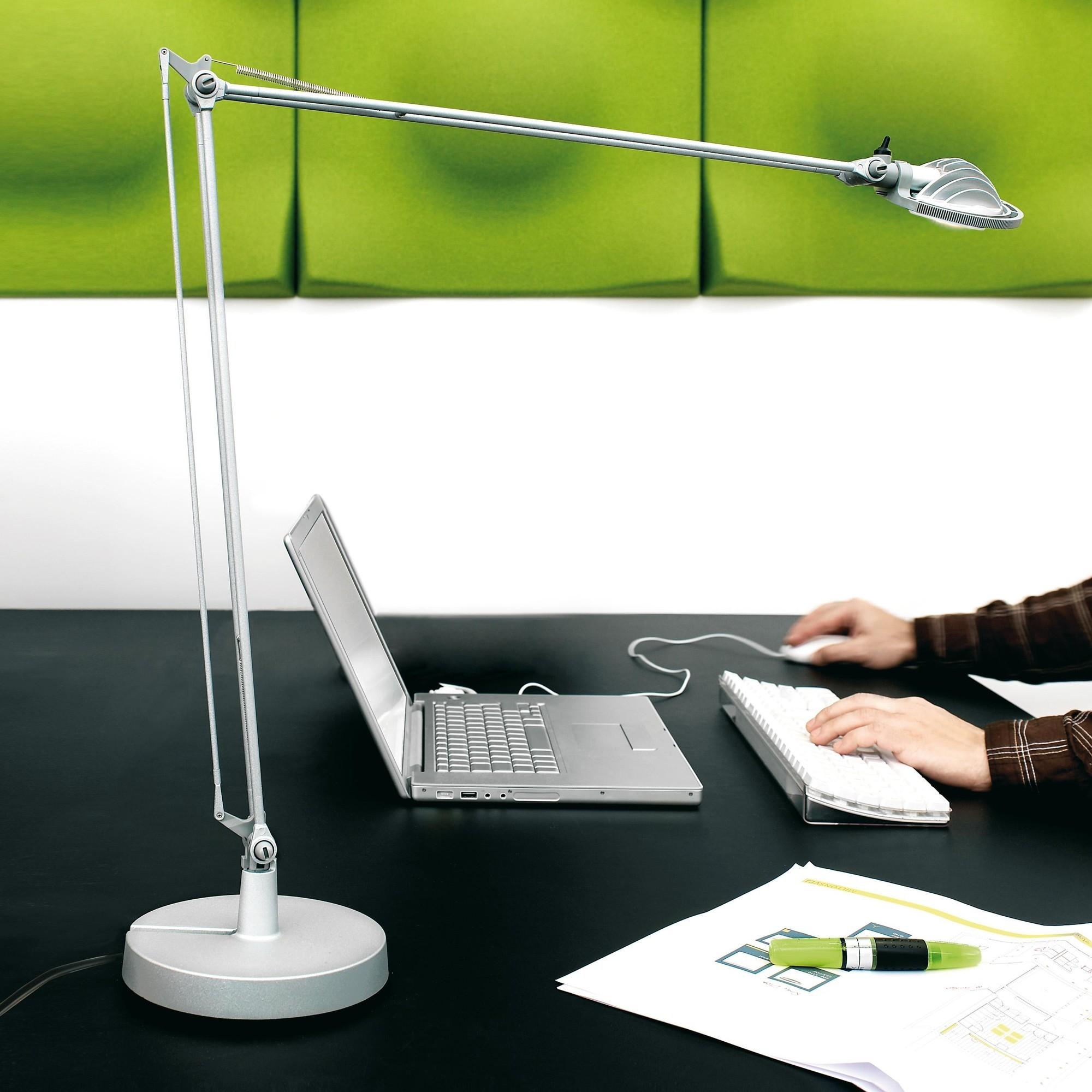 Luceplan Berenice D12 Desk Lamp   AmbienteDirect