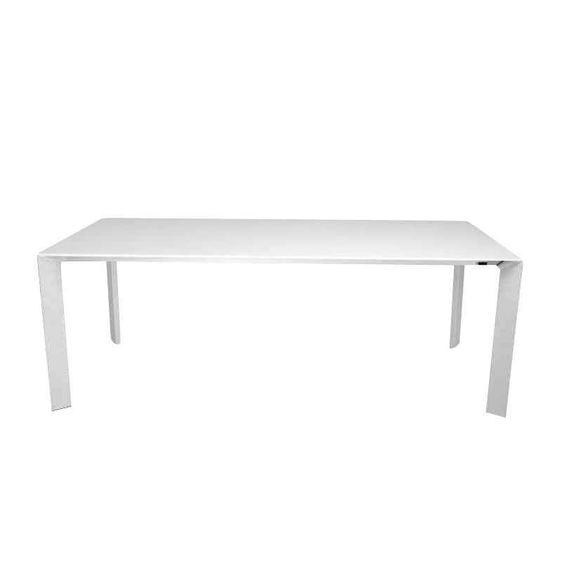 Nori pure white dining table extendable kristalia for Table extensible kristalia