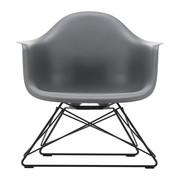 Vitra - Silla con reposabrazos Eames DAR armazón negro