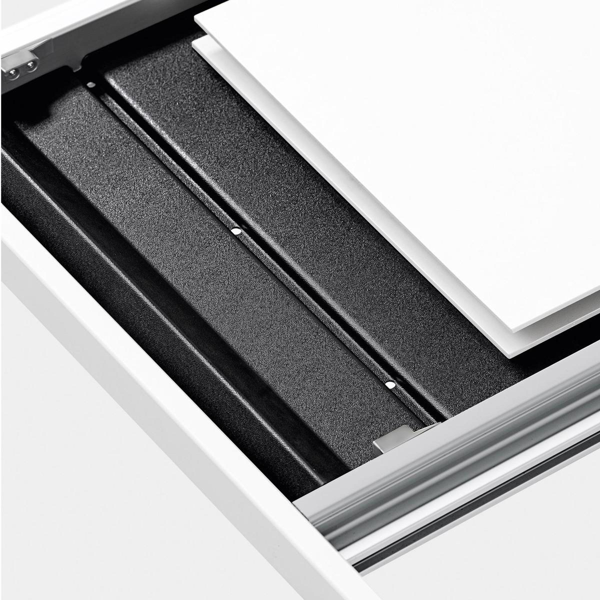 thin k aluminium table extensible kristalia. Black Bedroom Furniture Sets. Home Design Ideas