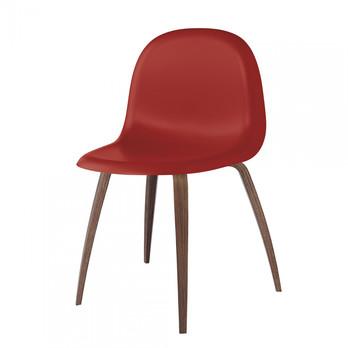 Gubi - Gubi 3D Dining Chair Stuhl mit Walnussgestell - shy cherry rot/Sitzfläche HiRek Kunststoff/BxHxT 52x82x53,5cm/Gestell Amerikanische Walnuss
