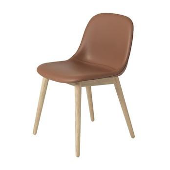 Muuto - Fiber Chair Stuhl gepolstert mit Holzgestell - cognac/eiche/Sitz Leder cognac gepolstert/Gestell eiche/49.5x77x53cm