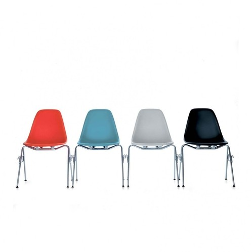 Eames Plastic Side Chair DSS