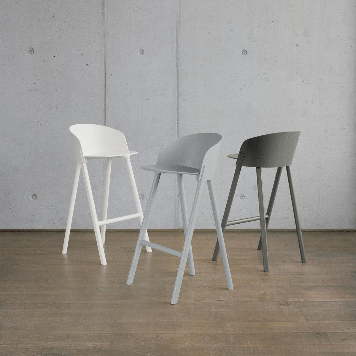 E15 st12 other bar stool e15 for Exclusive barhocker