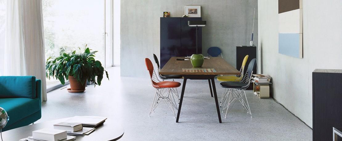 Vitra Tisch mit Wire Chair