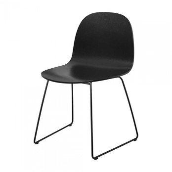 Gubi - Gubi 2D Dining Chair Stuhl mit Kufengestell - schwarz/Sitzfläche Birke/BxHxT 80x53x55cm/Gestell schwarz