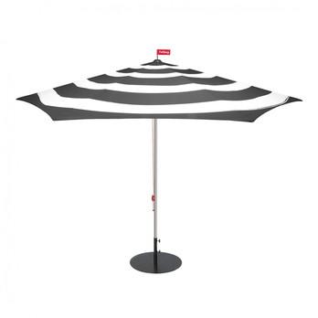Fatboy - Stripesol Set Sonnenschirm + Ständer - anthrazit/weiß/Ø350cm / H 265cm/Schirmständer anthrazit/Ø70cm/25kg
