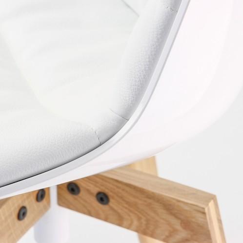 MDF Italia - Flow Stuhl Füße in Eiche - weiß/Leder weiß R804/Sitzschale gepolstert Leder weiß/54x54x80.5cm