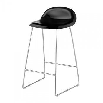 Gubi - 3D Counter Stool Kufengestell aus Chrom - schwarz/Sitzfläche Buche/BxHxT 44x78x45cm/Gestell Chrom