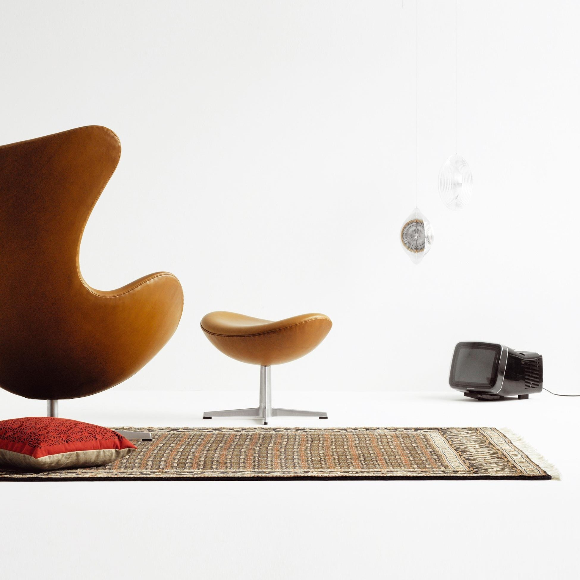 Fritz Hansen Egg Chair Das Ei Fußhocker Leder Ambientedirect