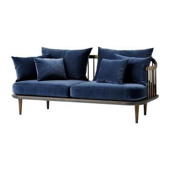 &tradition - FLY SC2 2-Sitzer Sofa - blau/Stoff Harald 2 182/Gestell geräucherte und geölte Eiche/inklusive Kissen