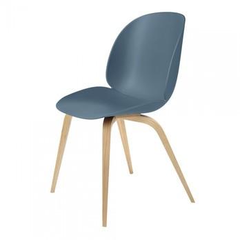 Gubi - Beetle Dining Chair Stuhl mit Eichengestell - blau grau/Sitz Polypropylen-Kunststoff/BxHxT 52x87x55cm/Gestell Eiche