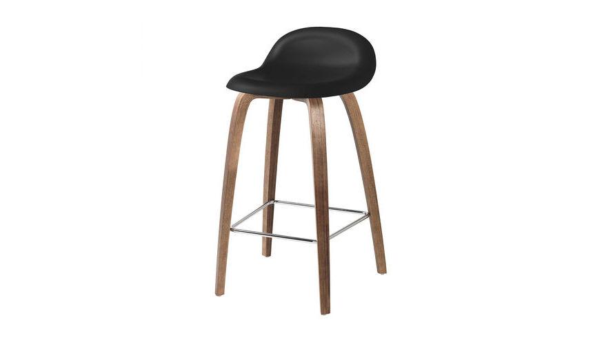 3d counter stool barhocker walnussgestell gubi for Barhocker 3d