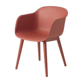 Muuto - Fiber Chair Armlehnstuhl mit Holzgestell - staubrot/Gestell eiche staubrot lackiert/54.5x76.5x55cm