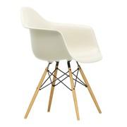 Vitra - Chaise avec accoudoirs Eames DAW frêne