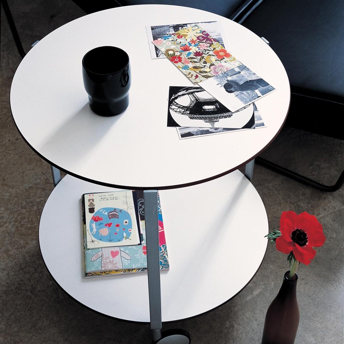 Gir petite table sur roulettes zanotta - Petite table a roulette ...