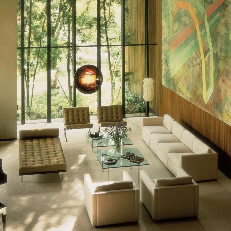barcelona mies van der rohe coffee table   knoll international