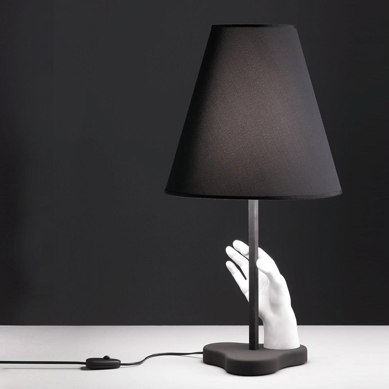 fontana arte mano lampe du table ambientedirect. Black Bedroom Furniture Sets. Home Design Ideas