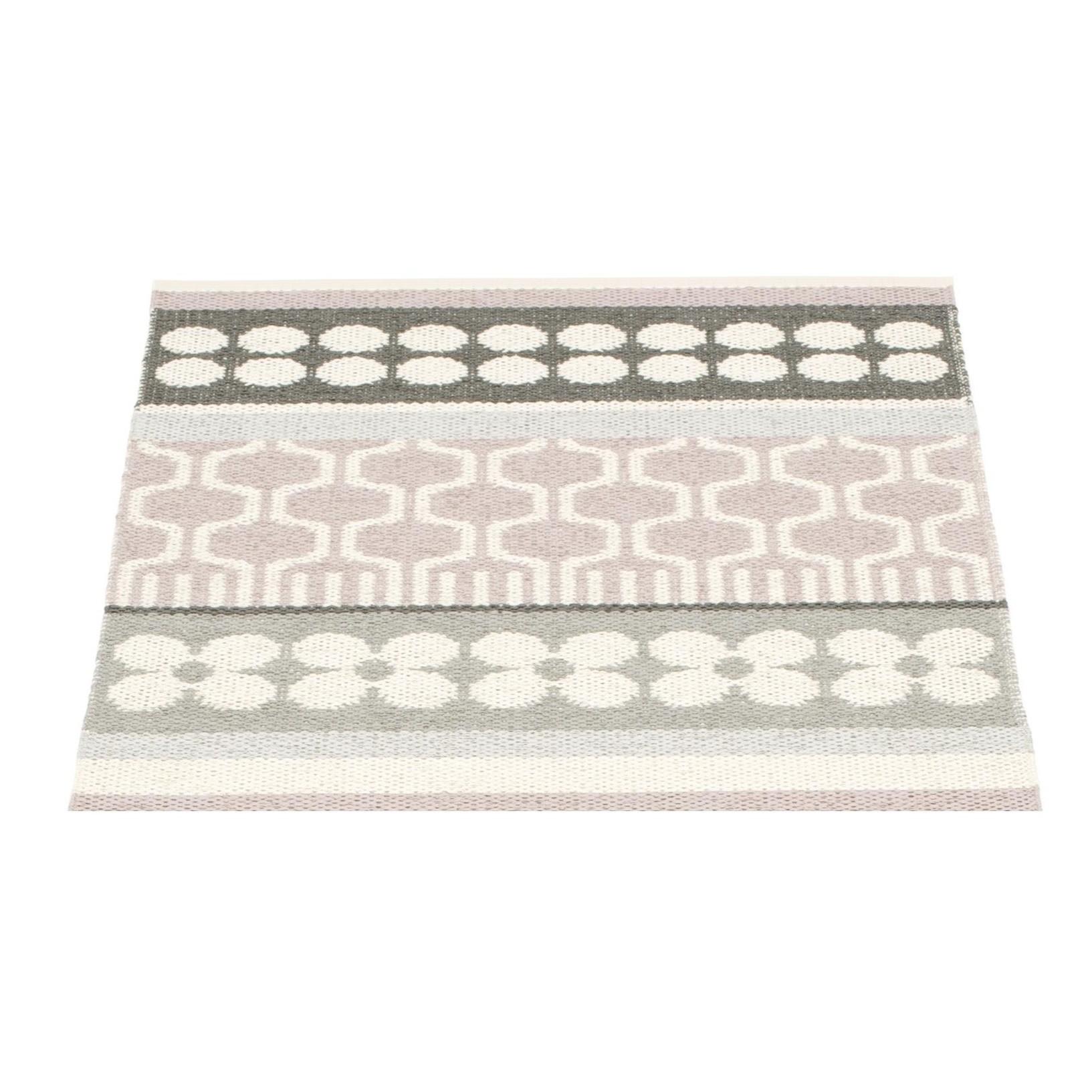 pappelina asta tapis pour l 39 ext rieur 70x90cm ambientedirect. Black Bedroom Furniture Sets. Home Design Ideas