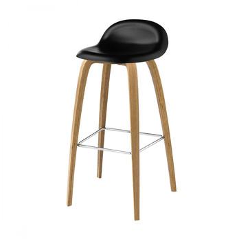 Gubi - Gubi 3D Bar Stool Barhocker mit Eichengestell - mitternachtsschwarz/Sitzfläche HiRek Kunststoff/BxHxT 46x88x43cm/Gestell Eiche