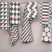 ferm LIVING - A Week of Tea Towels Geschirrtuch 7er Set - schwarz/weiss/50x70cm/waschbar bei 40°C/jaquard gewebt
