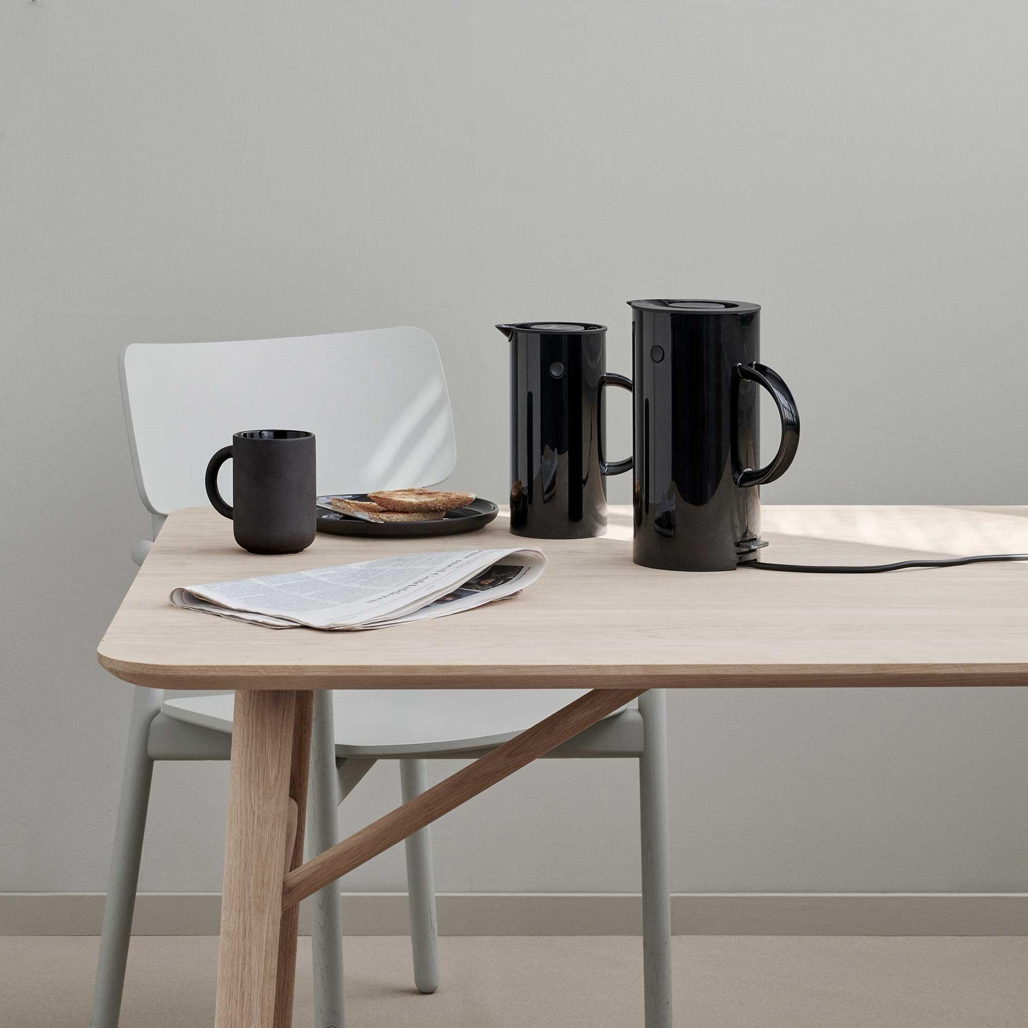 stelton em77 wasserkocher ambientedirect. Black Bedroom Furniture Sets. Home Design Ideas