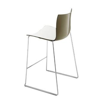 Arper - Catifa 46 0474 Barhocker niedrig zweifarbig Chrom - weiß/taubengrau/Außenschale glänzend/innen matt/Gestell verchromt/Sitzhöhe 64cm/neue Farbe