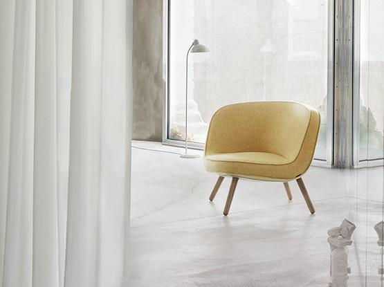 Gelber Stuhl