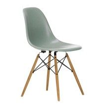 Vitra - Vitra Eames Fiberglass Side Chair DSW essenhout