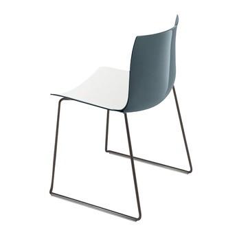 Arper - Catifa 46 0278 Stuhl zweifarbig Kufe schwarz - weiß/petrol/Außenschale glänzend/innen matt/Gestell schwarz matt V39/neue Farbe