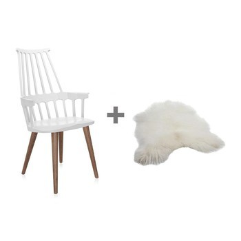 Kartell - Aktionsset Comback Chair + Fell - weiß/Island Lammfell/Gestell Esche in Eiche gebeizt