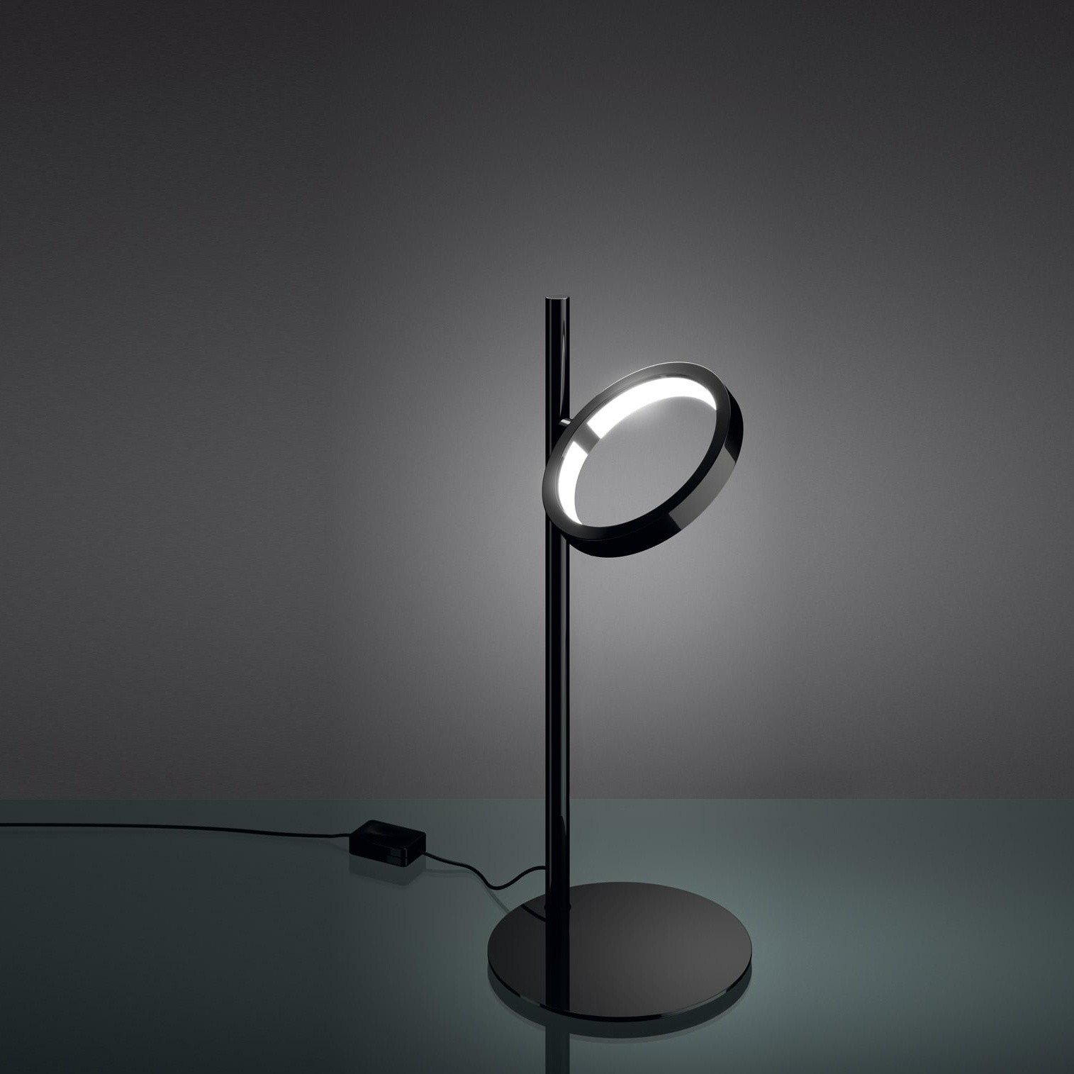 artemide ipparco led lampe de bureau ambientedirect. Black Bedroom Furniture Sets. Home Design Ideas