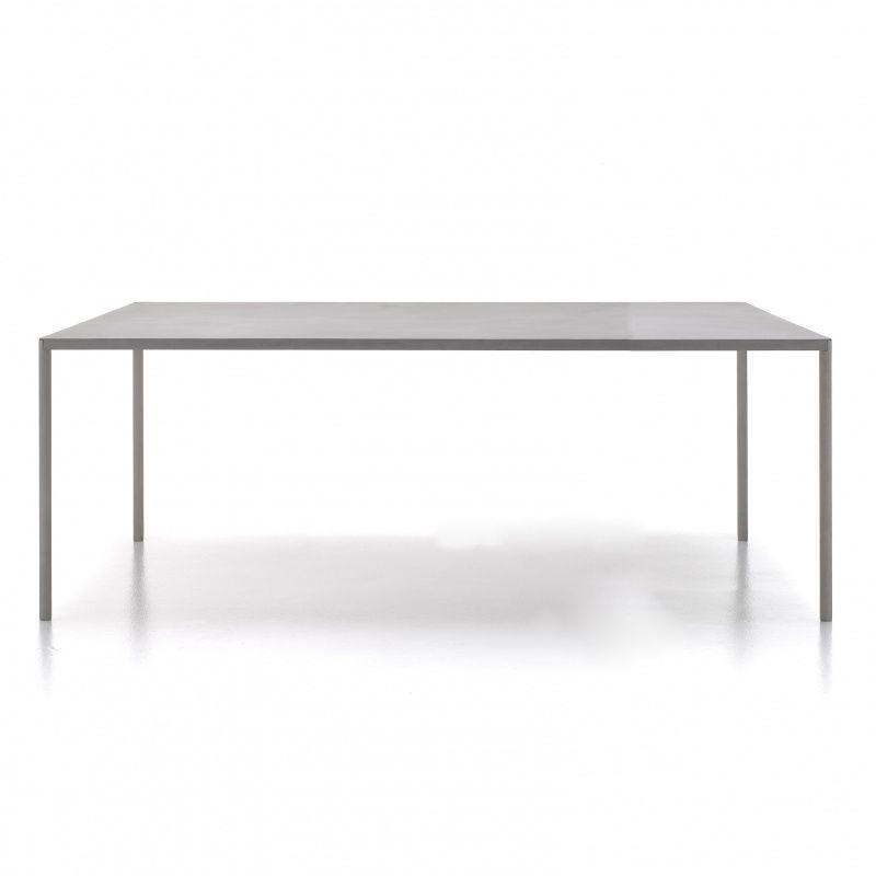 mdf italia robin outdoor betontisch mdf italia. Black Bedroom Furniture Sets. Home Design Ideas