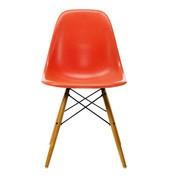 Vitra - Eames Fiberglass Side Chair DSW gouden esdoorn